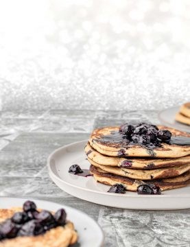 Pancakes-on-backdrop-tiles-gray